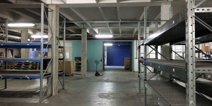 Laboratorio/magazzino con ottima praticabilità e grande zona di manovra