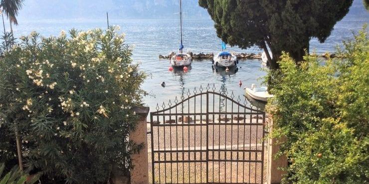 Lussuosa villa con interni moderni direttamente sul lago – Malcesine
